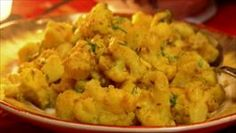 "Alu Gobhi Cauliflower and Potatoes: ""Aloo Gobi"" Recipe Gobi Recipes, Indian Food Recipes, Vegetarian Recipes, Healthy Recipes, Curry Recipes, Healthy Eats, Keto Recipes, Cauliflower Recipes, Cauliflowers"