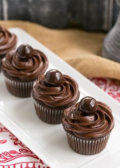 Perfect Chocolate Cupcakes | Terrific chocolate cupcakes with a swirl of decadent chocolate buttercream @lizzydo
