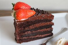 "-""verdens beste"" Sjokoladekake- Chocolate Cake - the ""worlds best"" Best Chocolate Cake, Pudding Desserts, Cake Toppings, Cake Recipes, Strawberry, Food And Drink, Sweets, Cream, Baking"