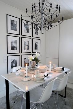 Homevialaura | White Christmas table setting | Arabia Mainio Sarastus Modern Christmas, Nordic Christmas, White Christmas, Christmas Tree, Christmas Table Settings, Christmas Tables, Kitchen Dining, Dining Table, Dining Room