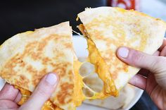Sriracha Chicken Quesadillas Recipe Appetizers, Main Dishes, Lunch with… Wine Recipes, Mexican Food Recipes, Cooking Recipes, Savoury Recipes, Yummy Recipes, Cheese Snacks, Cheese Recipes, Sriracha Chicken, Quesadilla Recipes