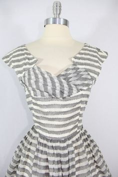 If it came It A different color I would like it even better! Gray and White Stripe Dress Vintage Fashion 1950s, Fifties Fashion, Look Vintage, Retro Fashion, 50s Dresses, Vintage Dresses, Vintage Outfits, Gray Dress, Striped Dress