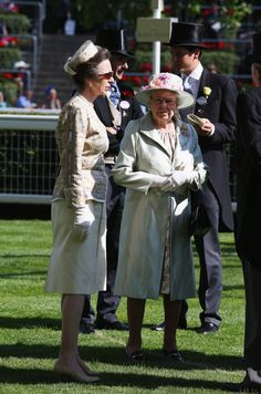 Queen Elizabeth II (R) and Anne, Princess Royal attend day two of Royal Ascot at Ascot Racecourse on June 18, 2014 in Ascot, England.