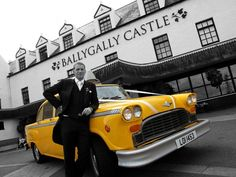 NY Taxi Star Wedding Car : Arriving at your wedding is a seriously exciting mom- Wedding Car Decorations, Wedding Cars, Star Wedding, Wedding Blog, Wedding Transportation, Getting Engaged, Big Day, Vintage Cars, Wedding Planning