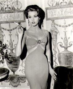 Jane Fonda, loveee her dress, hair and makeup!