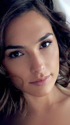 Pure Beauty, Beauty Women, Beautiful Eyes, Beautiful Women, Simply Beautiful, Gal Gardot, Actrices Sexy, Gal Gadot Wonder Woman, Beautiful Celebrities