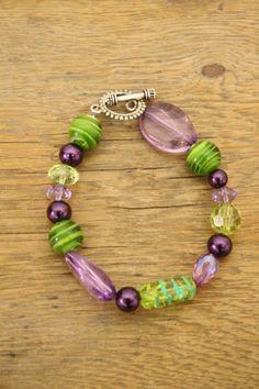 Cool bracelet for Mardi Gras!