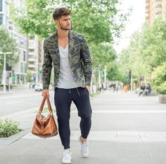 12 Useful Tips about Men's Fashion Winter Outfits Men, Casual Outfits, Men Casual, Fashion Outfits, Urban Fashion, Love Fashion, Mens Fashion, Street Fashion, Gq Style