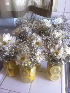 Lemons and daisies