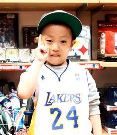 【大阪店】 2013年12月6日 二回目の登場で~す!未来のNBAプレイヤー君です(・ω<) #nba