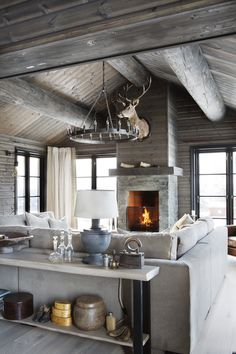 Ideas and inspiration Cabin Homes, Log Homes, Small Cottage Homes, Cabin Fireplace, Chalet Design, Modern Rustic Homes, Swedish House, Cabin Interiors, House Floor Plans