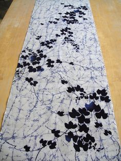Shibori - batik black white table runner