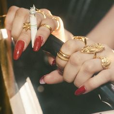 "VIDAKUSH on Instagram: "" www.vidakush.com : @teekthesneak style: @mstr_of_disguise hands: @jesilerae"""