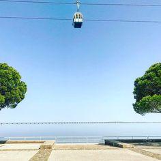 . . . . . . #travel #lissabon #lisboa #lisbon #sky #sun #springbreak #happyday #picoftheday #spaziergang #spring #beach #strand #birds #vogel #möve #himmel #meer #salzluft #happiness #freedom #freiheit #glücklich #glück #trees #minimalism #minimal