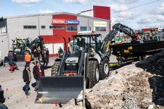 Mansen Morinat 2014, Pirkkala / Finland  Lannen Multimate on road backhoe on the front.  #Lannen #backhoes #machine