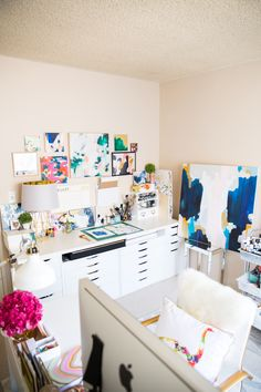 Studio Tour: Parima Creative Studio – Creative Home Office Design Creative Studio, Creative Home, Art Studio At Home, Home Art, Deco Studio, Studio Design, Studio Room, Design Art, Workspace Desk