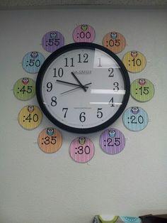 Clock with owls Special Education Classroom, School Classroom, School Fun, Kids Education, Math Resources, Preschool Activities, My Favourite Teacher, Infant Classroom, School Labels