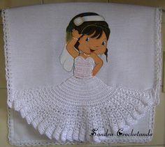 CROCHETANDO: PANOS DE COPA COM PINTURA BONECA E CROCHE Crochet Doll Pattern, Crochet Stitches Patterns, Crochet Dolls, Doll Patterns, Stitch Patterns, Crochet Kitchen, Crochet Home, Stitch Crochet, Crochet Skirts