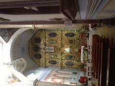 Interior de la iglesia en el centro de Cadereyta