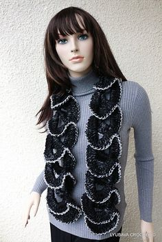 Ravelry: Chunky Ruffle Unique Scarf pattern by Lyubava Crochet