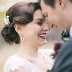 Brides.com: Wedding Hairstyles for Straight Hair. Vintage-Style Updo With Broach. Sweep your hair back into a loose, low updo. Add a few waves and an old-fashioned broach for a vintage look we absolutely love. Browse more romantic wedding hairstyles.