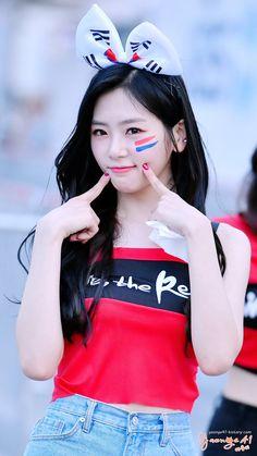 JiU ???? - Album on Imgur Dreamcatcher Wallpaper, Jiu Dreamcatcher, Kpop Girl Groups, Korean Girl Groups, Kpop Girls, Extended Play, Cutest Bunny Ever, Kim Min Ji, Pink Princess