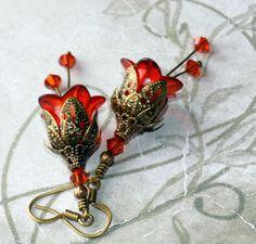 Pendientes de flor lucite 'Fuego' de estilo victoriano