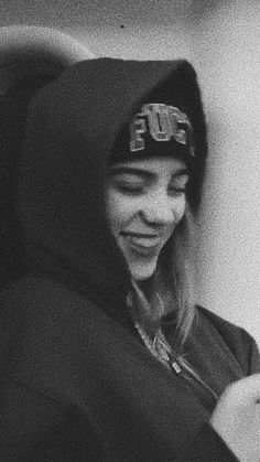 Billie Eilish, Black And White Aesthetic, Picture Wall, Aesthetic Pictures, Music Artists, Top Artists, Cute Wallpapers, Ariana Grande, Idol