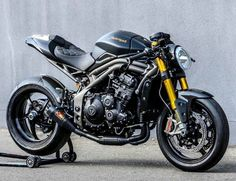 Triumph Speed Triple R cafe