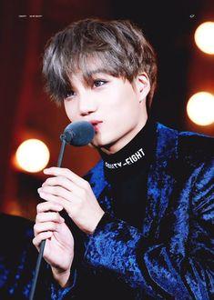 lay: Baek tengo hambre baekhyun: Lay que te e dicho sobre mandarme … #detodo # De Todo # amreading # books # wattpad Baekhyun, Kaisoo, Exo Kai, Rapper, Exo Concert, Boy Idols, Xiuchen, Kim Jongin, Kpop Exo