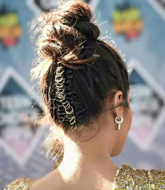 12 Hair Accessories For Fall That Are Trending Now