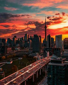Toronto - Sunrise Over The Gardiner Expressway Toronto Skyline, Toronto City, Toronto Travel, Toronto Ontario Canada, Toronto Photography, City Photography, Nature Photography, City Aesthetic, Travel Aesthetic