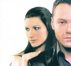 "Learn Italian with music: ""Vivimi"" by Tiziano Ferro and Laura Pausini   http://www.easylearnitalian.com/2013/07/learn-italian-with-music-vivimi-by.html  #learnItalian"