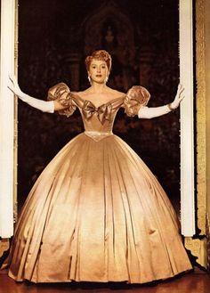 Deborah Kerr, 'The King and I' Hollywood glamour Deborah Kerr, Theatre Costumes, Movie Costumes, Beautiful Costumes, Beautiful Gowns, Vintage Hollywood, Hollywood Glamour, Classic Hollywood, Hollywood Costume