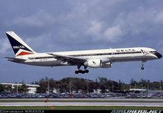 Photos: Boeing 757-232 Aircraft Pictures | Airliners.net