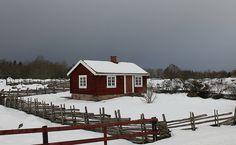 Little house Sweden by annkarlstedt, via Flickr.. the crazy carpenter snow fence
