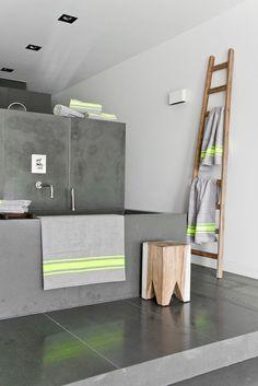 Ultra modern bathroom by HK Living. Bathroom Spa, Laundry In Bathroom, Bathroom Interior, Modern Bathroom, Bathroom Ladder, Bad Inspiration, Bathroom Inspiration, Interior Inspiration, Home Design