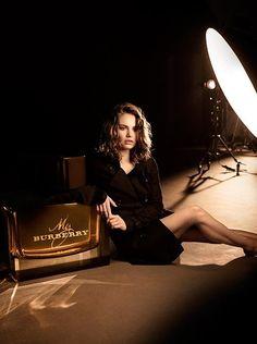 Resultado de imagem para burberry lily jamesperfume campaign