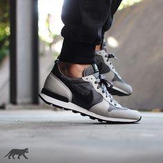 United Brands - We Are Wintersport Nike Heels, Nike Tennis Shoes, Sneakers Nike, Nike Internationalist, Sneaker Store, Runners Shoes, Melissa Shoes, Nike Sweatshirts, Converse