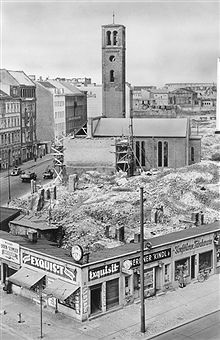 Wiederaufbau der St. Lukas-Kirche in der Bernburger Strasse-Berlin 1963-