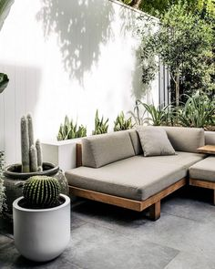 The Tribù Pure Sofa sitting nicely in this contemporary rustic courtyard design by 🙌🏼 ___ Outdoor Sofa, Outdoor Spaces, Outdoor Living, Outdoor Decor, Outdoor Fire, Sofa Area Externa, Design Cour, Rustic Planters, Courtyard Design