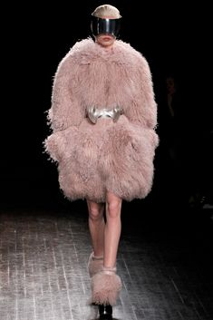 Alexander McQueen | Fall/Winter 2012 Ready-to-Wear Collection via Sarah Burton | Modeled by Nadja Bender [March 5, 2012; Paris]