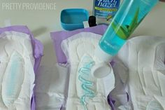 DIY Padsicles for the postpartum period! Padsicles, or frozen postpartum pads, help to heal and reduce pain after a vaginal birth. You'll be glad you made these pads for postpartum recovery! Baby On The Way, Baby Kind, Our Baby, Baby Love, Baby Baby, Baby Sleep, Baby Must Haves, Ice Pad, Baby Shooting