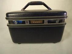 VINTAGE SAMSONITE Train Case with Keys & mirror which folds out... RETRO LUGGAGE Cosmetic Case Suitcase
