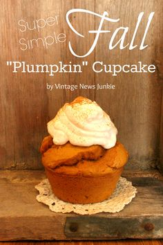 Two ingredient pumpkin cupcakes: Duncan Hines spice cake mix and one can of pumpkin puree. Top with fat free cool whip sprinkled with pumpkin pie spice. Apple Recipes, Pumpkin Recipes, Fall Recipes, No Bake Desserts, Just Desserts, Delicious Desserts, Cupcake Recipes, Cupcake Cakes, Dessert Recipes