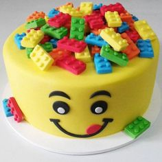 Birthday/Party DIY Lego cake Photos in the Drawer Photos taken on special occasions will disappear after a while in the dusty environment of the drawe. Cake Lego, Lego Torte, Lego Cupcakes, Cupcake Cakes, Lego Cake Topper, Christian Cakes, Candy House, Lego Birthday Party, Cake Birthday