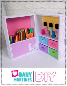 Diy Crafts For Your Room, Diy Crafts For School, Easy Arts And Crafts, Diy Crafts For Gifts, Crafts For Kids, Cardboard Organizer, Cardboard Storage, Cardboard Furniture, Cardboard Crafts