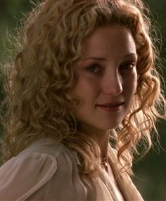 6 easy tricks for perfect curls every time (because look at how gorgeous Penny Lane is, even in tears)