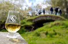 Un verre de whisky Speyside !   © Visit Scotland #whisky #scotland #routeduwhisky #alainntours #speyside #ecosse #whiskey