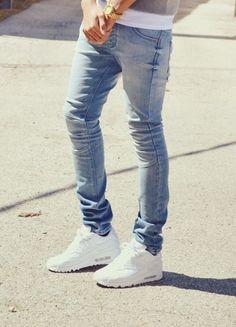 I love men in skinny jeans and Nike Air Max